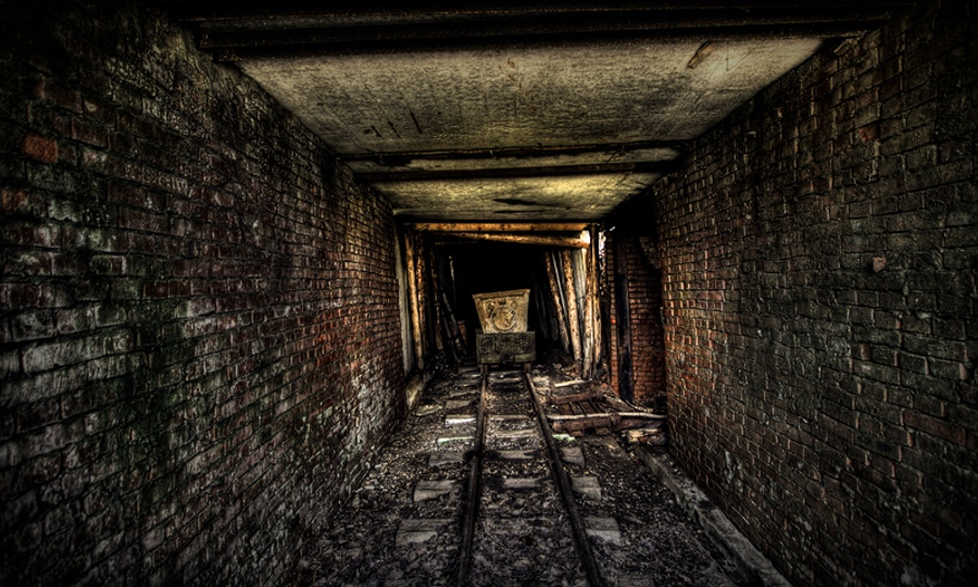 gold mine - Andrew Kuznetsov 900x540
