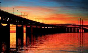 oresund-bridge-richard-dennis-900x540