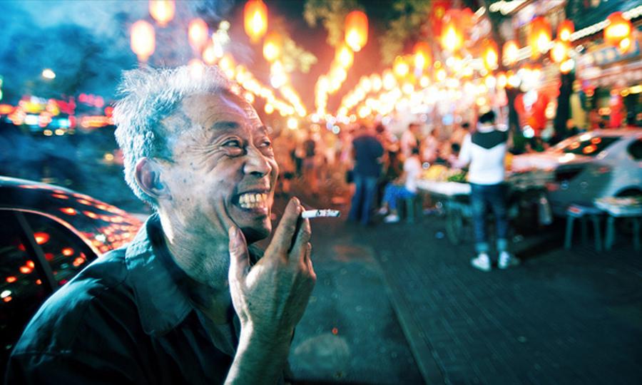 China smoking - Jonathan Kos-Read