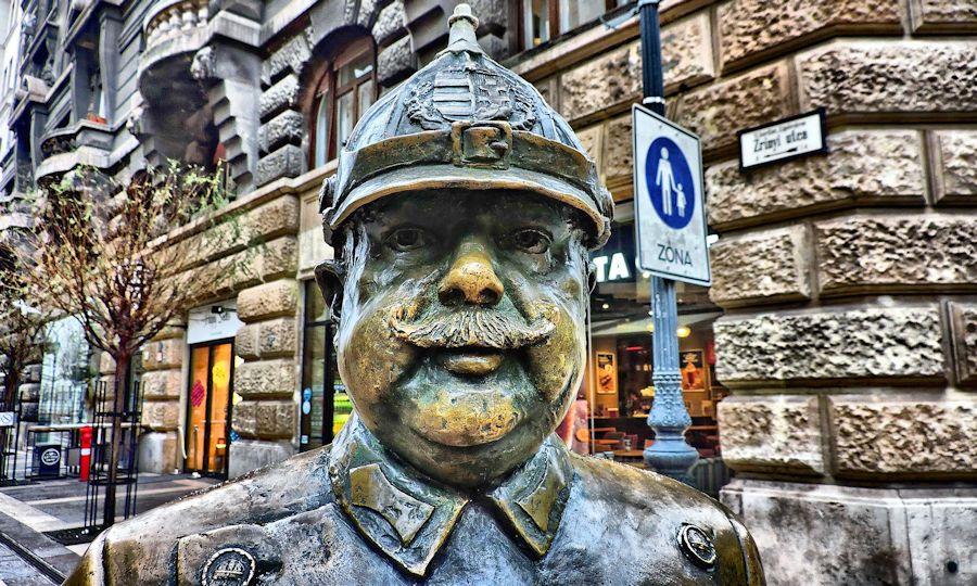 Fat policeman, Budapest